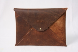 Ilundi hand stitched leather I-pad case