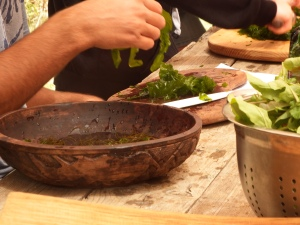 Preparing edible seaweed