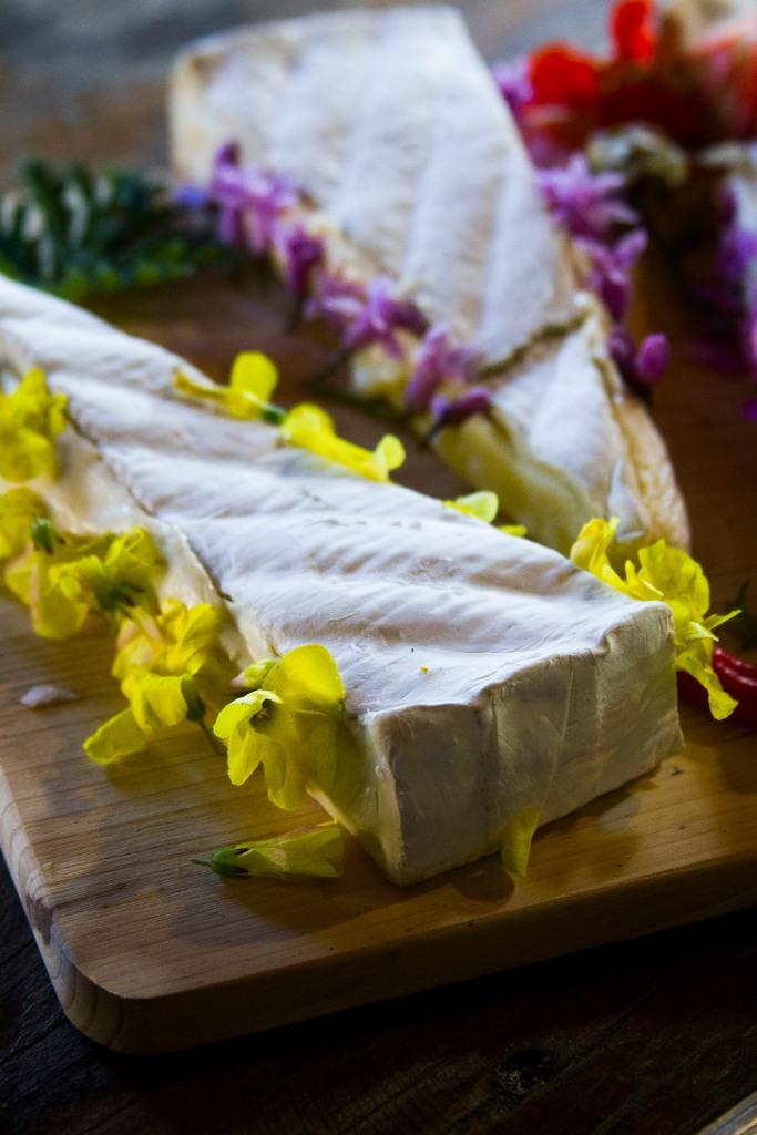 Edible flower cheeses