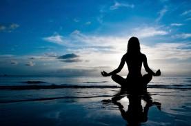 beach-yoga-meditation-wallpaper-sea-1024x679